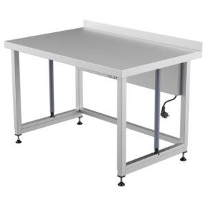 Korkeussäädettävät Restmec teräspöydät ammattikäytöön. Soveltuvat muun muassa elintarviketeollisuuteen.